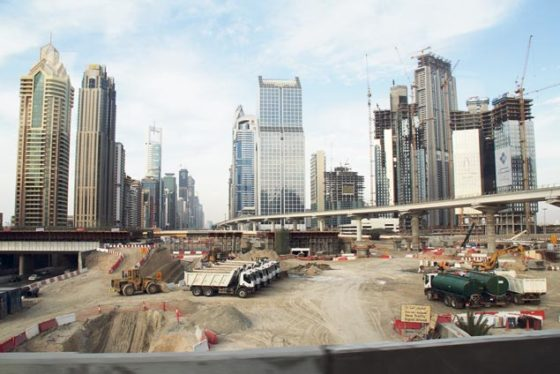 Bouwparadijs Dubai ligt aan het noodinfuus
