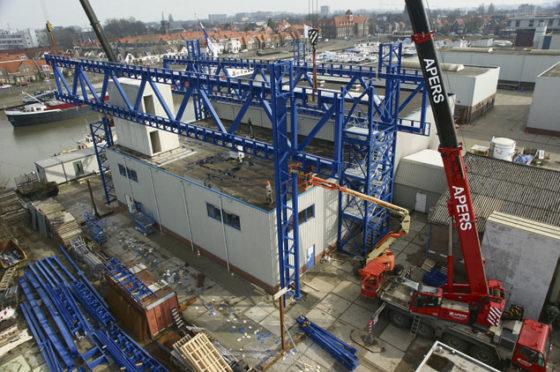 Brugkantoor voor bruggenbouwer