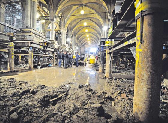 BAM zet kolommen Rijksmuseum spanningsloos weg
