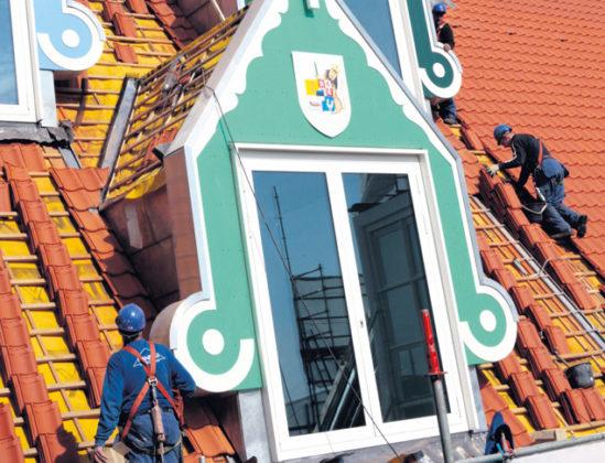 Rode pannen op stadhuis Zaanstad