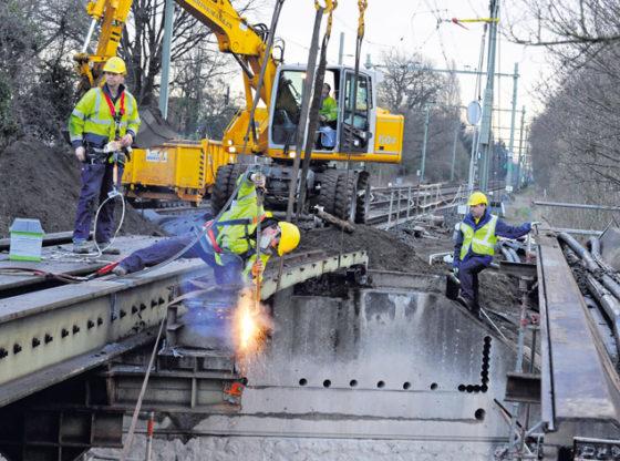 Lage spoorbrug vervangen