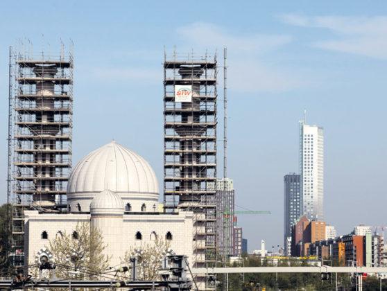 Essalam moskee nadert voltooiing