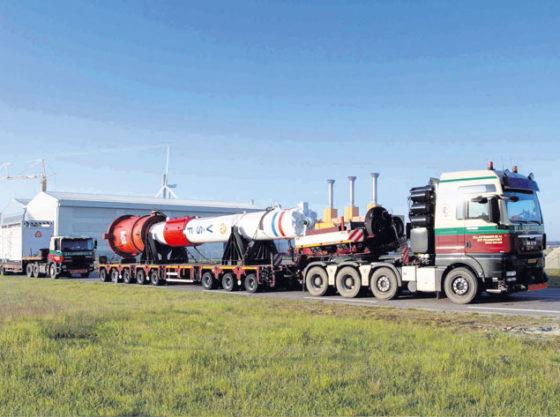 100 ton zwaar heiblok op weg