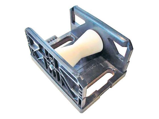 Koppelbare kabelrol leidt kabel de hoek om