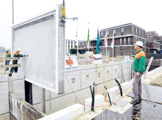 Eerste betonnen sluisdeuren ter wereld