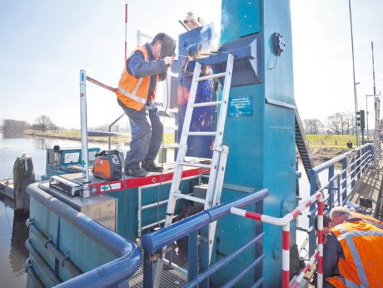 Nieuwe regelstang voor ophaalbrug
