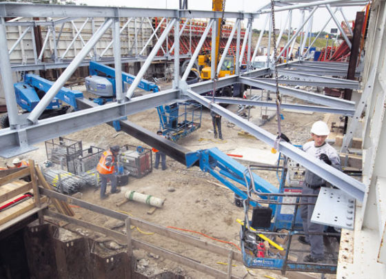 Bruggen bouwen tijdens bouwvak
