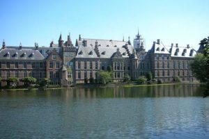 Renovatie Binnenhof minder geheim: architectenrel nog niet voorbij