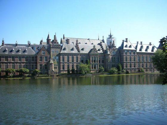 VVD en D66 willen geen nieuwe rijksgebouwen meer