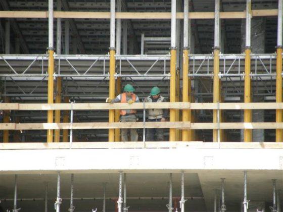 Nederlandse bouw bungelt onderaan met vacatures