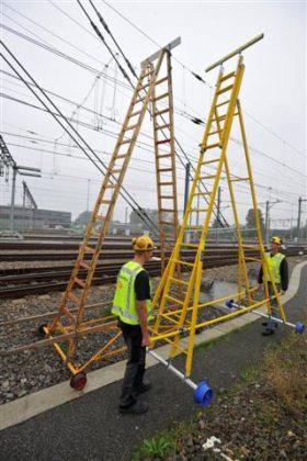 Lichtgewicht ladder voor inspectie van bovenleiding
