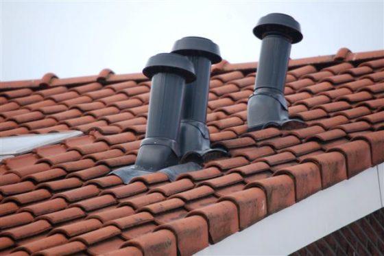 Geïntegreerde doorvoer in kleur van de dakpan