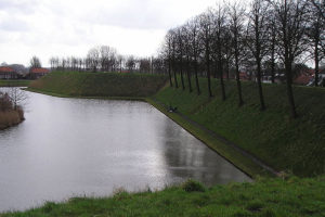 Hoogwatergolf 'teistert' woensdag 1147 kilometer rivierdijken