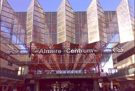 Meer woningen in stationsgebied Almere