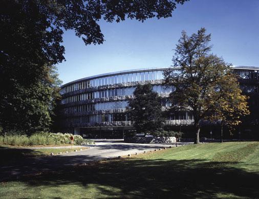 Glasproducent AGC schrapt bijna 250 banen
