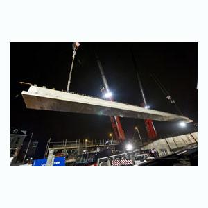 Viaduct Utrecht: badding gekanteld