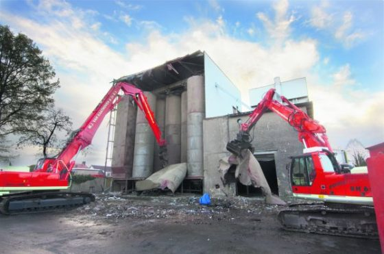 Nieuwe sloopkraan rekent af met silo's