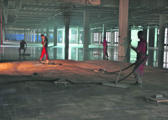 25.000 vierkante meter vloer in één opdracht