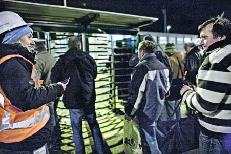 CNV hekelt publieke flirt met bouwmigranten en komt met tegenplan