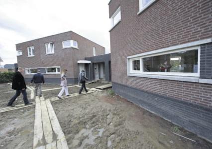 Leerlingen bouwen starterswoningen