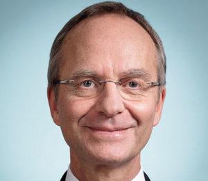 Minister Kamp.
