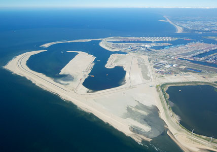 Start bouw nieuwe containerterminal Tweede Maasvlakte