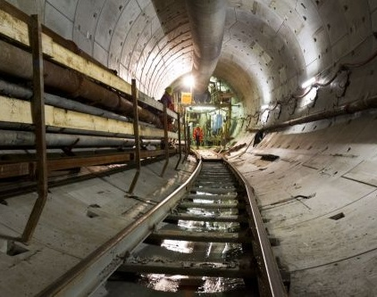 Tunnelboormachine Molly voltooit tocht door Amsterdamse bodem