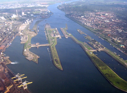 Nieuwe sluis bij IJmuiden
