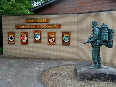 Marinierskazerne in percelen aanbesteden