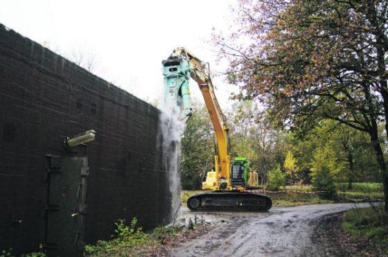 Hoondert sloopt brandstofdepot Woensdrecht