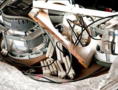 Oude lampen en armaturen nog te vaak op schroothoop: slopersbranche belooft beterschap