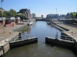 De problemen bij het ontwerp van de Wilhelminasluis in Zaandam waren volgens de Raad van Arbitrage niet te voorzien door Heijmans.