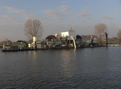 Onderzoek naar explosieven in Maas