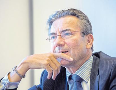 Verhagen: Kabinet zit er niet om de zaak te verpesten