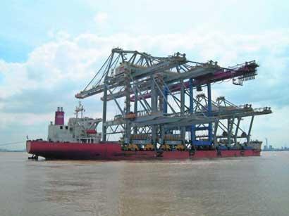 Rijdende 'Erasmusbruggen' voor Rotterdamse haven