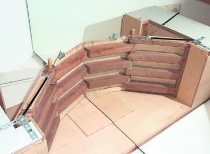 Opvouwbare sluisdeur sluit kolk slim af
