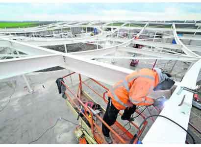 Golvend dak op crematorium
