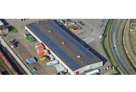 Zonnepanelenrecord op dak bedrijfshal Buko