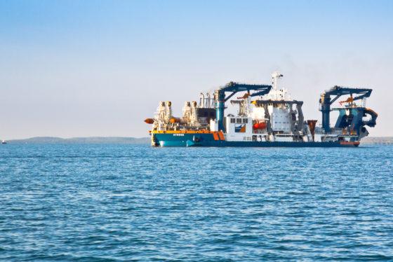 Tempodruk brengt baggeraars samen in Suezkanaal