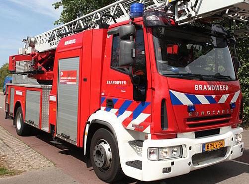 Grote brand verwoest timmerbedrijf Papendrecht