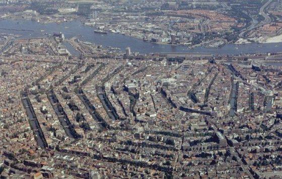 Amsterdam bouwt te weinig om bevolking te huisvesten
