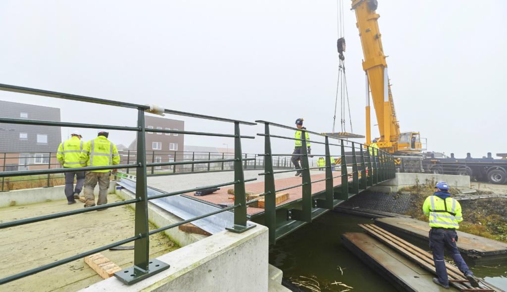 Nieuwe brug Zuid-Scharwoude