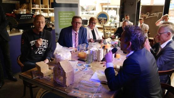 'Laat kinderen bij Albert Heijn voor bouwpakketjes sparen'