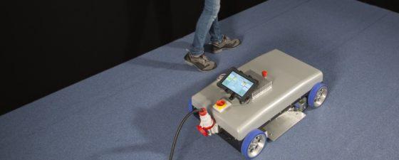 Robot brengt bitumineuze dakbedekking aan met inductie
