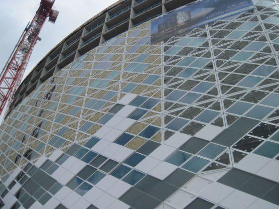 Huid van composiet beschut Hilton op Schiphol