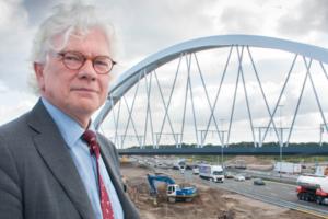 Promovendus waarschuwt voor 'duizend-bruggen-probleem'