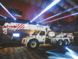 Terex showt tractorkraan Franna AT-40