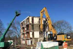 Van Veldhoven gelooft heilig in asbestverbod in 2024