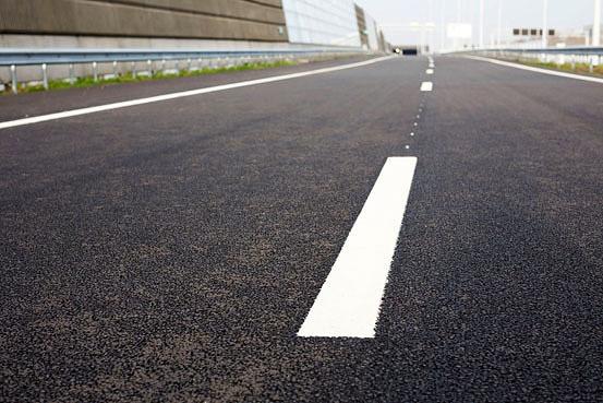 Nederlandse automobilisten verguld met hun wegen
