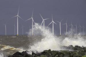 Ook Van Oord, Shell en Eneco dingen mee naar windpark Hollandse Kust zuid
